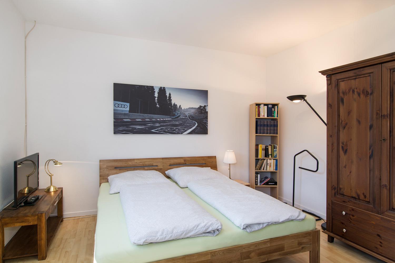 Zimmer Oskar mit Doppelbett