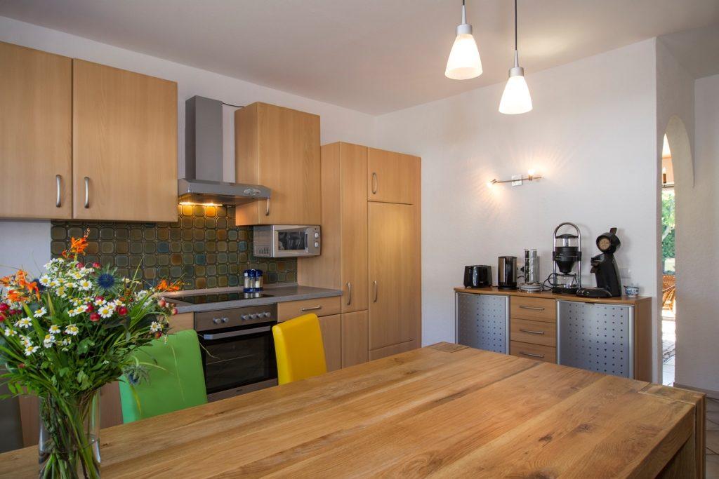 Küche mit Kaffeebar Ferienhaus-Faltmann