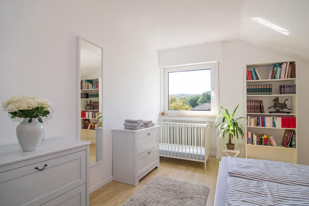Schlafzimmer Luise mit Babybett