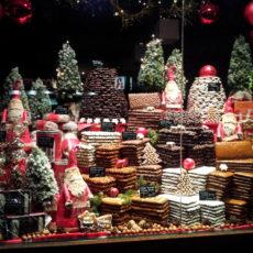 Schaufenster weihnachtlich geschmückt